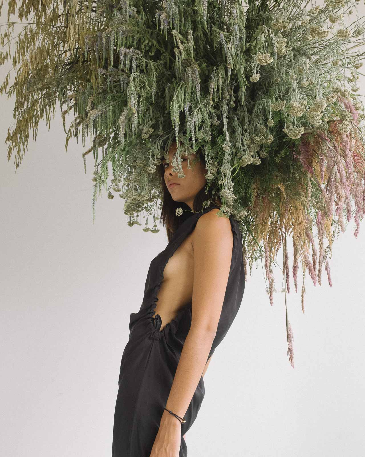 storm wears by malene birger black dress shot by marius knieling at studio230 flowers by studiolilo