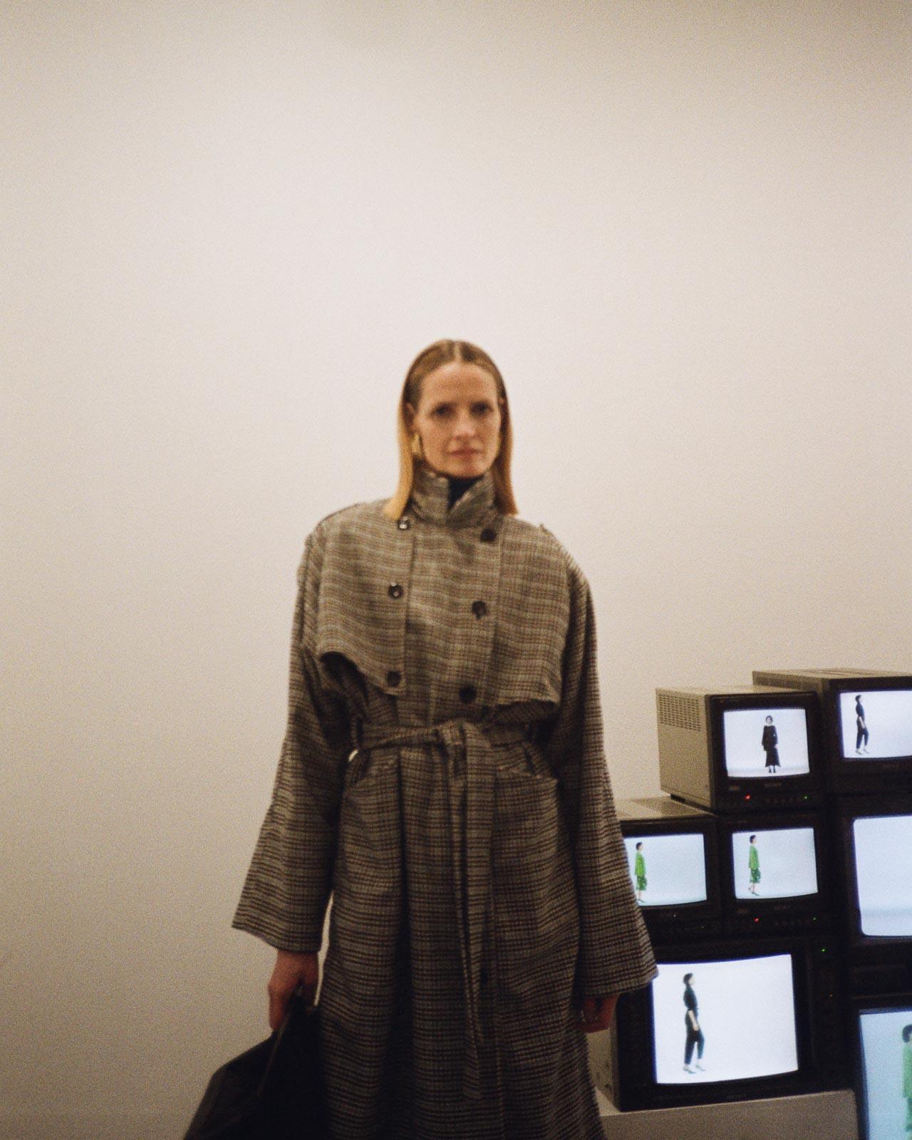 Gestuz AW20 Präsentation Copenhagen Fashion Week checked trench coat