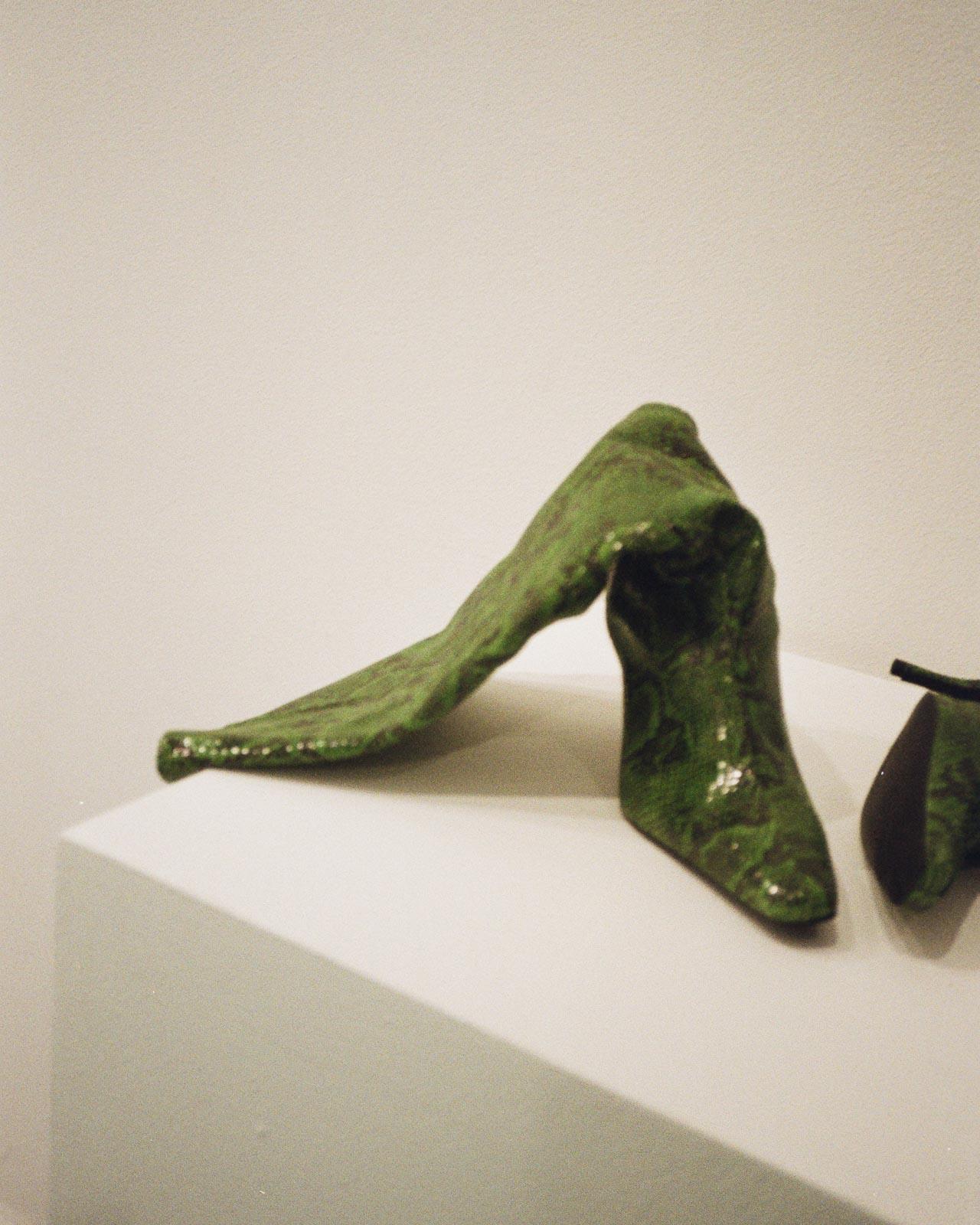 Gestuz AW20 Präsentation Copenhagen Fashion Week green snake boots